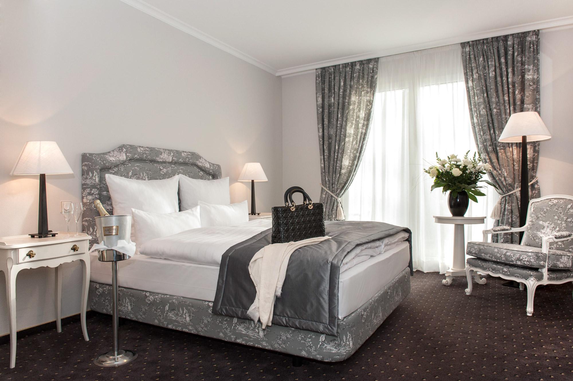 Hotelzimmer DFG Saarbruecken